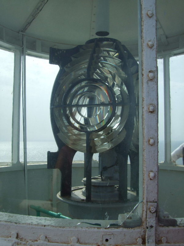 Sanganeb:  Fresnel lens