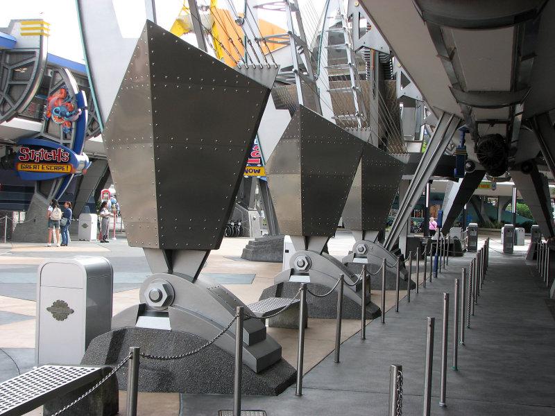Tomorrowland Convention Center Columns