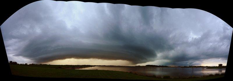 Storm Cell Approaching Mozingo Lake