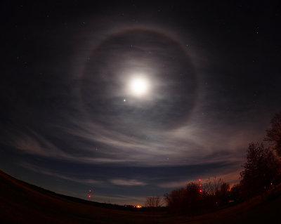 The Moon & Jupiter Inside a Lunar Halo