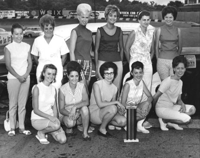 1968 Powder puff drivers group shot.