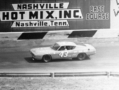 1969 400 Richard Petty Ford
