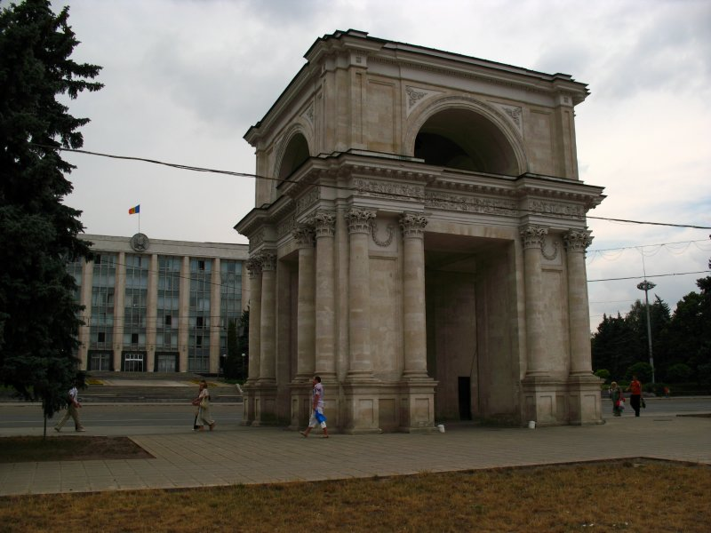 Triumphal Arch off Cathedral Square