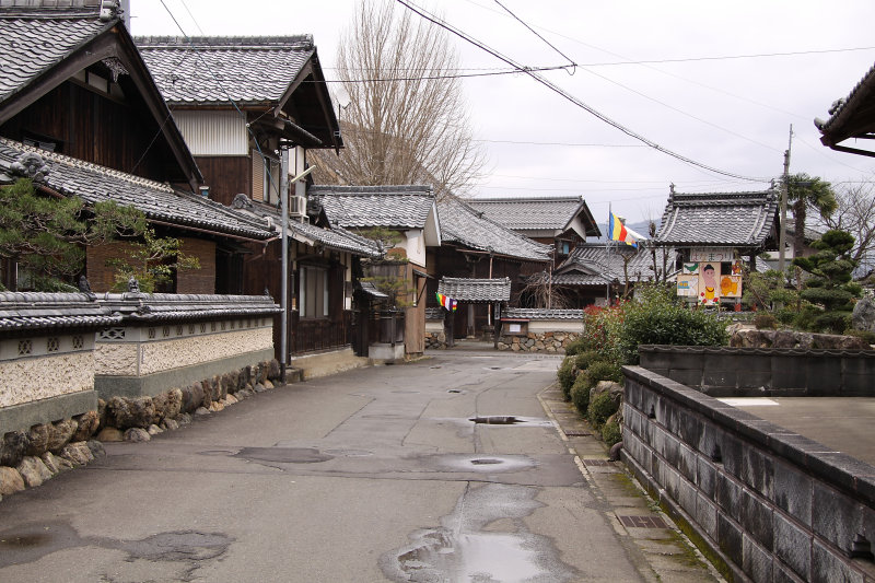 Neighborhood backstreet in Higashi-Obama