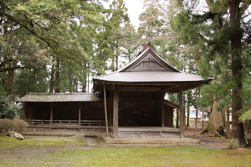 Kaguraden (nō stage) at Wakasahime Shrine