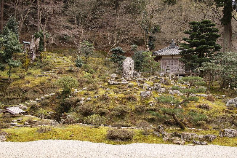 Zen garden at Mantoku-ji