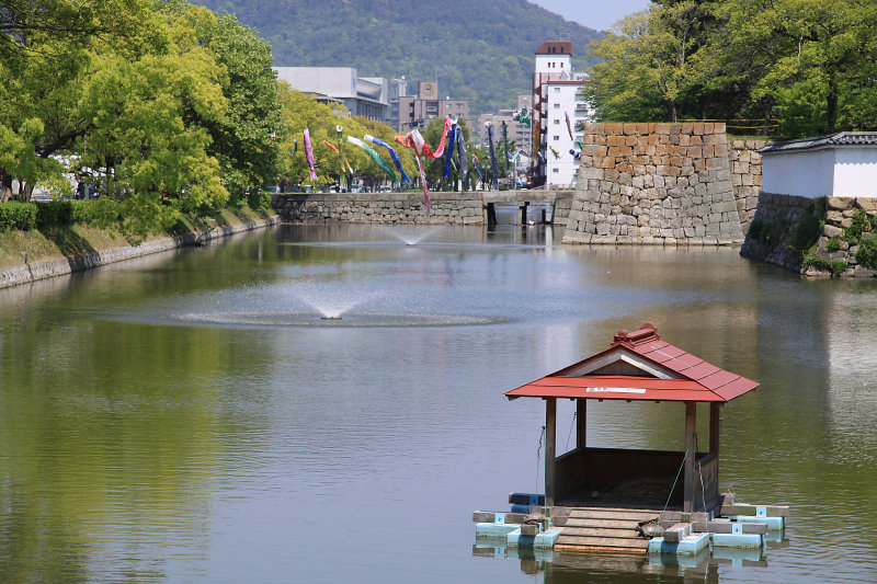 Outer moat of Marugame-jō