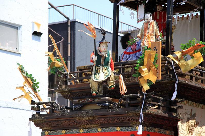 Animated dolls on the Karako-sha float
