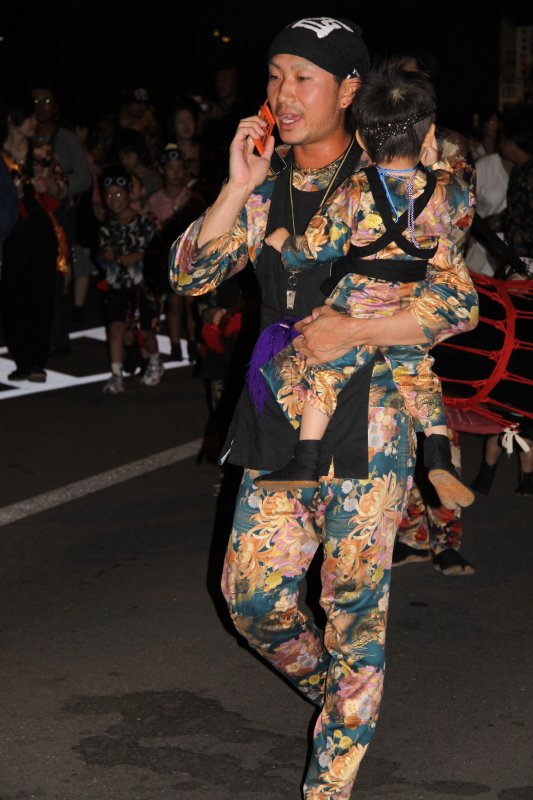 Even a parade cant stop important keitai calls