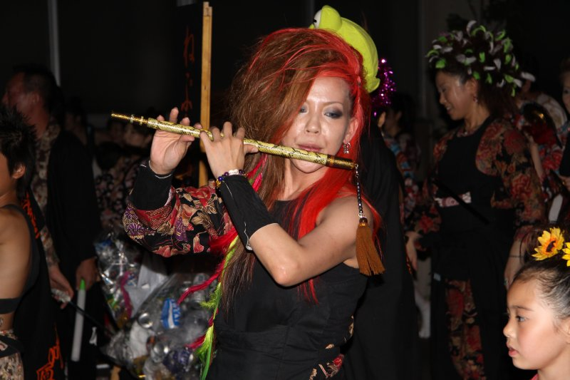 Mod-punk flute player