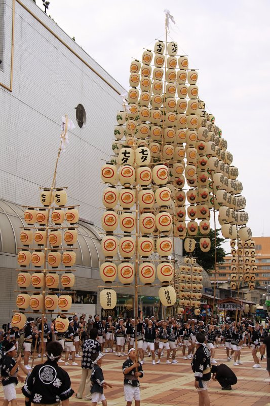 Pre-event kantō competition near Akita Station