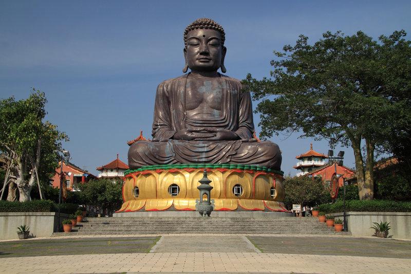 Great Buddha atop Baguashan