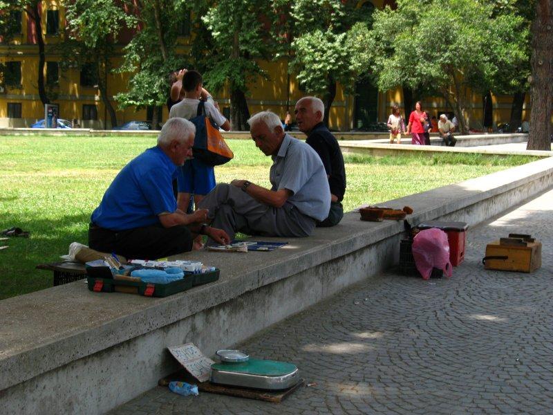 Old men resting in the shade in Parku Rinia