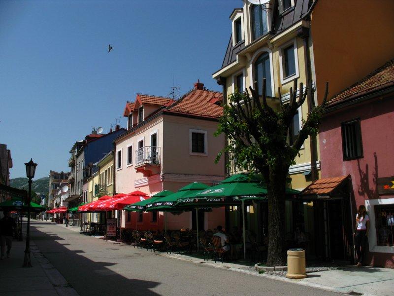 Mid-afternoon on Cetinjes main drag