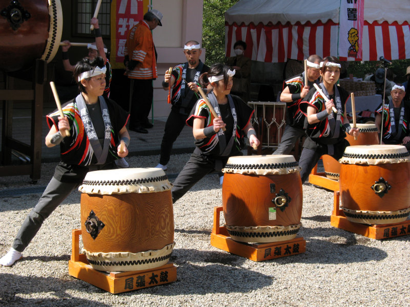 Group of three female taiko drummers