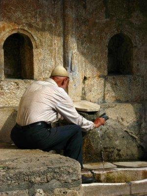 Filling the cup, Baba Arabati tekke