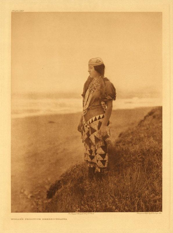 Womans primitive dress - Tolowa