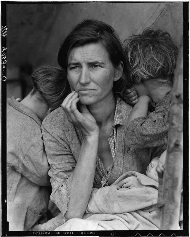 Dorothea Lange /1895-1965/: Migrant Mother, 1936