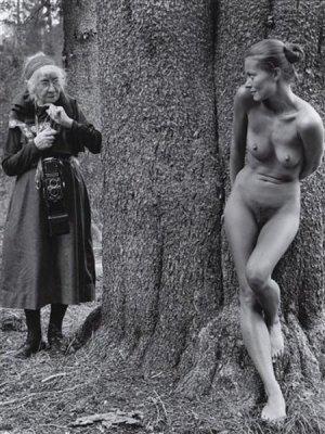 Imogen Cunnigham /1883 – 1976/: Imogen and Twinka by Judy Dater, 1974