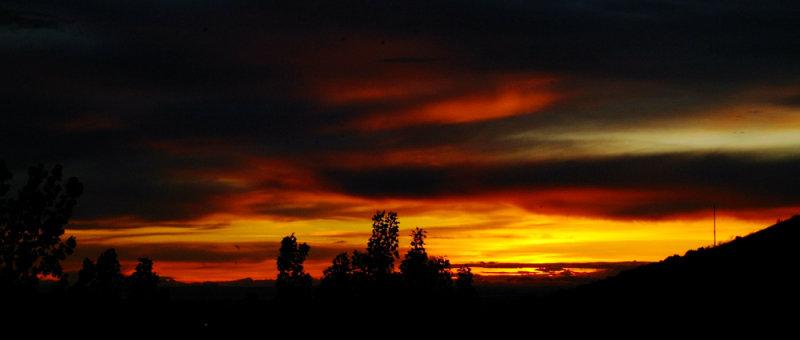 American Falls Reservoir Sunset from Pocatello June 14 2009 DSCF0017.jpg