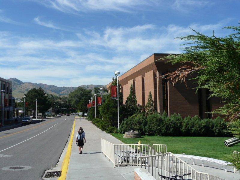 Pocatello Street Scene - MLK Blvd and ISU Eli Oboler Library P1040003.jpg