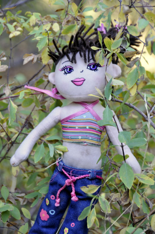 Doll abandoned on Scout Mountain Nature Trail _DSC2504.jpg