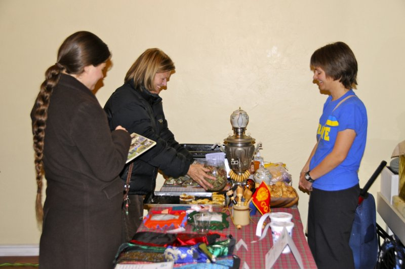 Lena Contor presenting Ukrainian culture at Pocatellos First Friday Art Walk _DSC3777.jpg