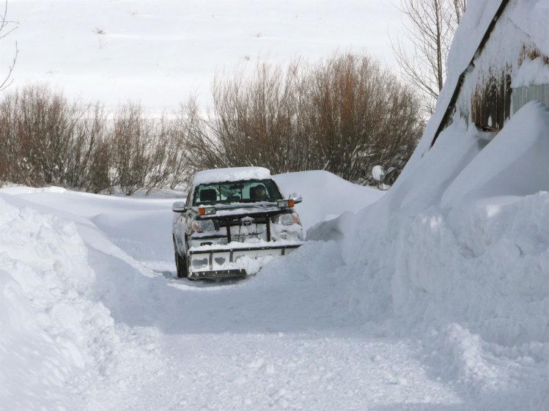 Deborah plowing snow P1020328.jpg