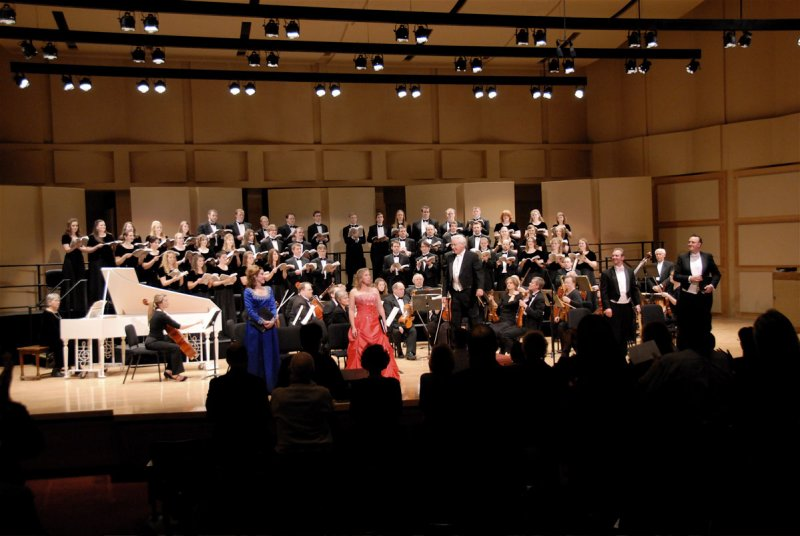 Complete Messiah Performance - The Applause showing Conductors Face _DSC0599.jpg