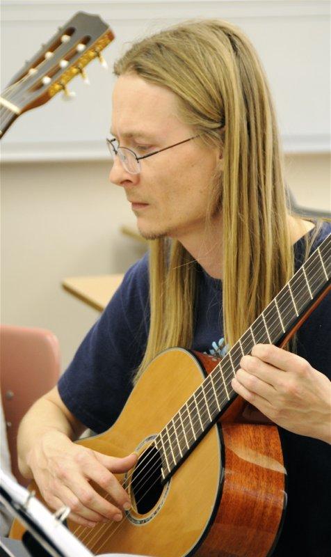 Familiar ISU Guitar Ensemble Member _DSC0375.jpg