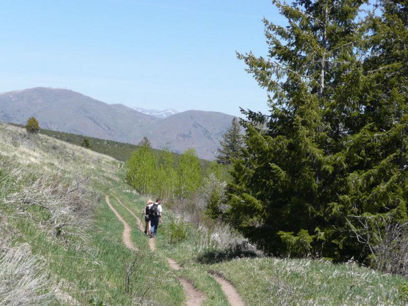 Hikers on Gibson Jack Trail P1020587.jpg