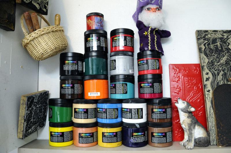 Linda Wolfes Paint Jars _DSC3946.jpg