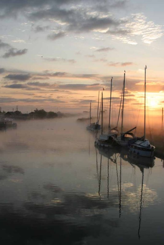 Mist over the river Thurne