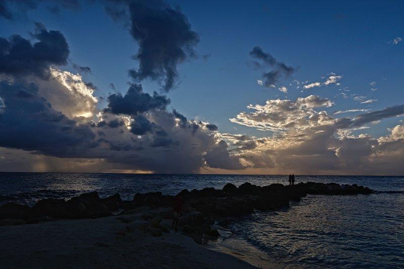 Sunset at Jan Thiel