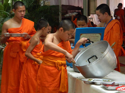 breakfast for apprentice monks.jpg