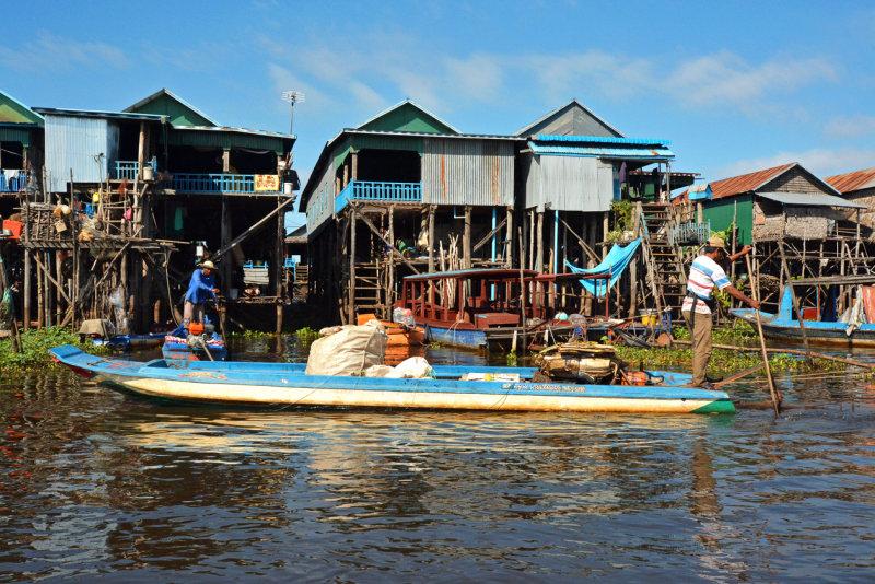 Kampong Phluk Commune - Floating houses