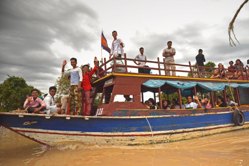 Going to Kampong Phluk, Lake Tonlé Sap