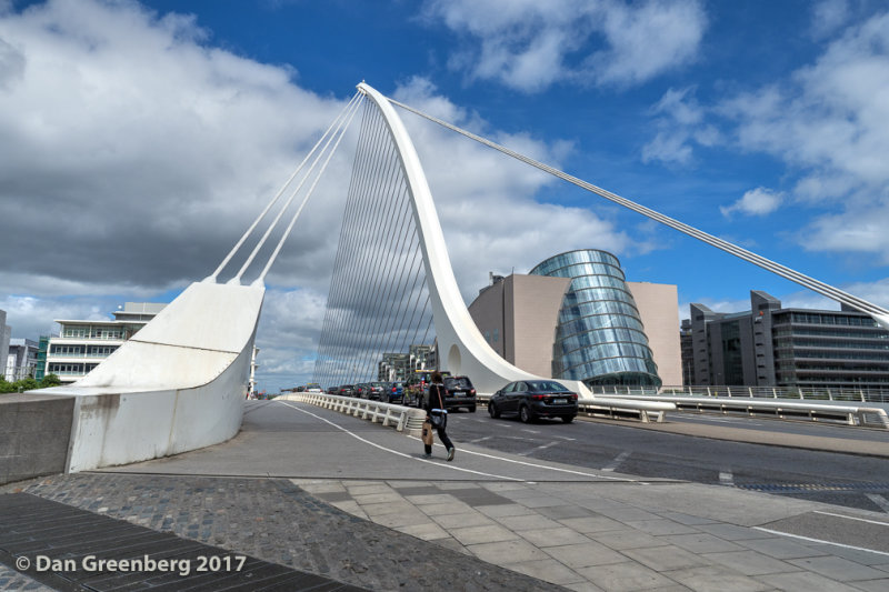 Traffic on the Samuel Beckett Bridge