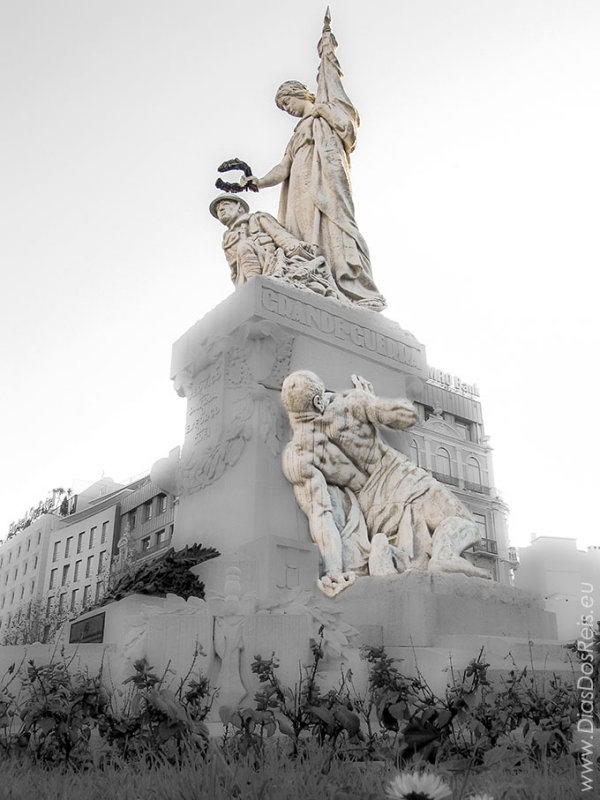 Monument to the Soldiers dead in WW 1, by Sculptor Maximiano Alves (1931)