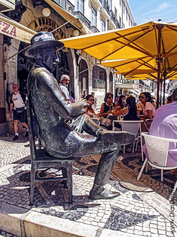 Fernando Pessoa na Brasileira