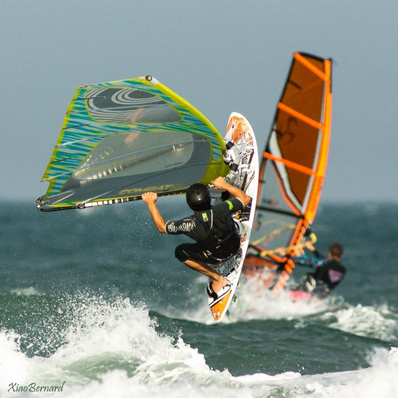 Wind surfers in Battle