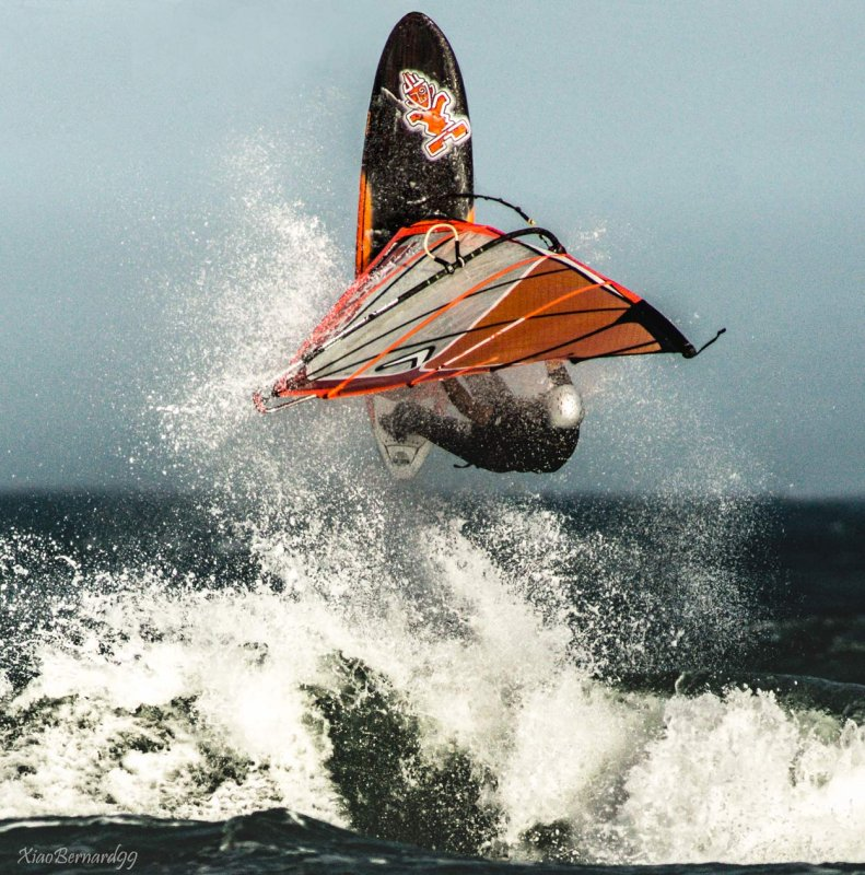 A figure of Windsurf as a take off