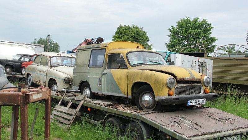 148:365<br>Eastern Bloc vehicles