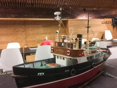 Fritz Johnsens modell av slepebåten Bamse. Scratchbygget og radiostyrt, skala 1:30