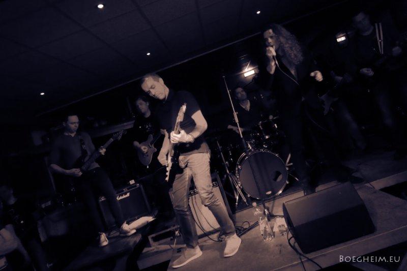 Day119_Ruben_Hoeke_Optreden_Koppiebar.jpg