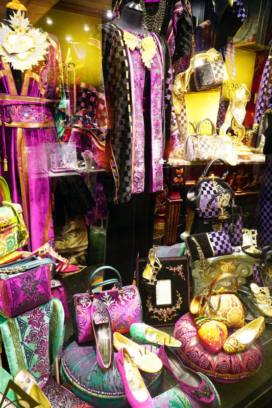 Ladies Paradise Boutique, Milano