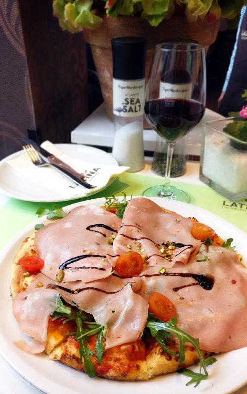 Pizza Mortadella