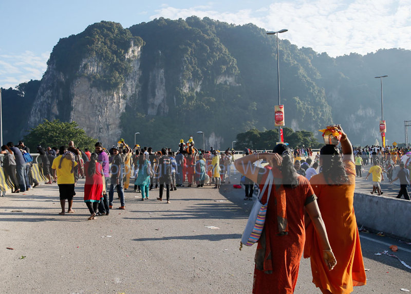 Devotees make their way to Batu Caves