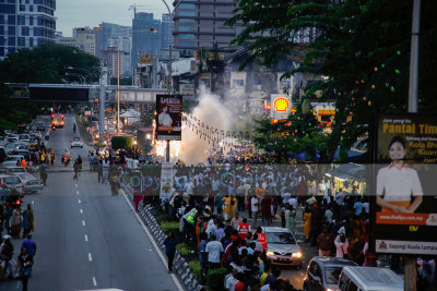 Firecrackers on the road greets Lord Muruga chariot