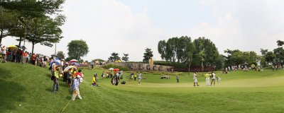 Panorama from 2 stitched images: Hole 17 green with the leaders.